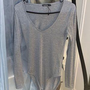 gray long sleeve bodysuit